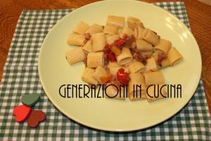 Mezze maniche pancetta e peperoni