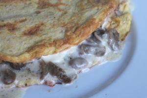 omelette formaggio e funghi